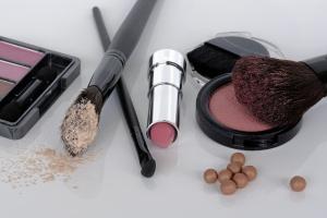 cosmetics-1367781_1280