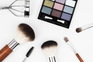 Makeup Best Sellers - on Amazon